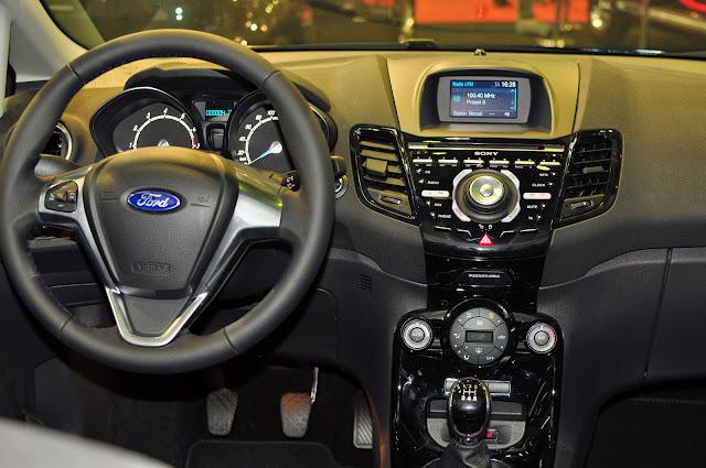 Ford Fiesta Titanium 2014 interior