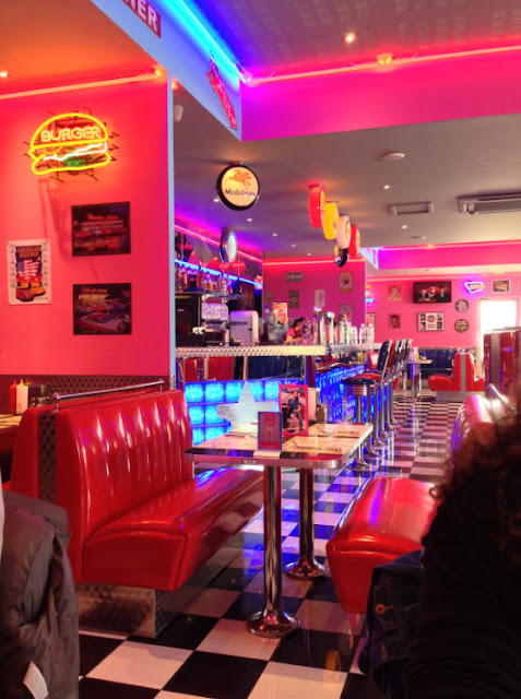 american diner in paris