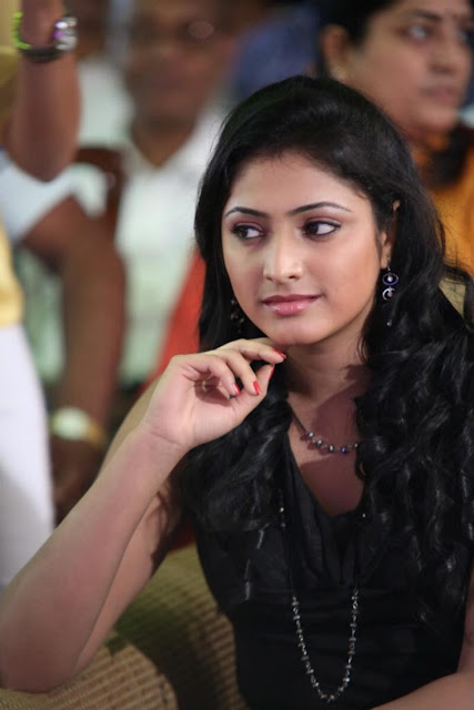 Hari Priya New Photo Gallery – Hari Priya Latest Stills In Black Dress – Hari Priya New Hot And Spicy Photos