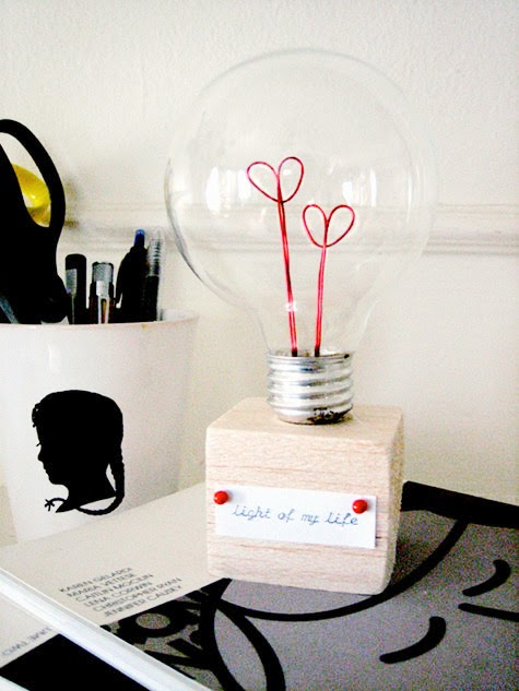 Valentine Lightbulb DIY