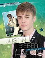 bookcover of JUSTIN BIEBER: POP AND R&B IDOL  by Nadia Higgins