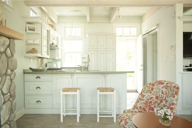 Creative cottage white kitchen