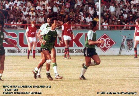 40521156066554485714818 Sejarah Manis Sepakbola Indonesia, Klub Lokal Mengalahkan Arsenal 2 0