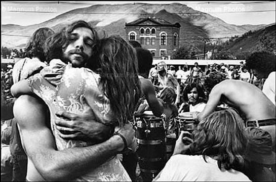 woodstock revolution 1969 Woodstock is a 1970 documentary film of the watershed counterculture woodstock festival which took place in august 1969 near bethel, new york entertainment weekly called this film the benchmark of concert movies and one of the most entertaining documentaries ever made the film was directed by michael wadleigh.