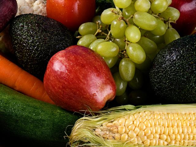 Frutas, legumes e cereais devem fazer parte de nossa alimentação diariamente