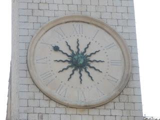 Reloj, de la Torre del Reloj, situada en la Plaza Luza, centro de la ciudad de Dubrovnik.