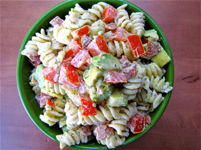 Creamy Bacon, Tomato & Avocado Pasta Salad