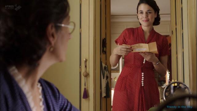 Sira Quiroga vestido rojo. El tiempo entre costuras. Capítulo 6