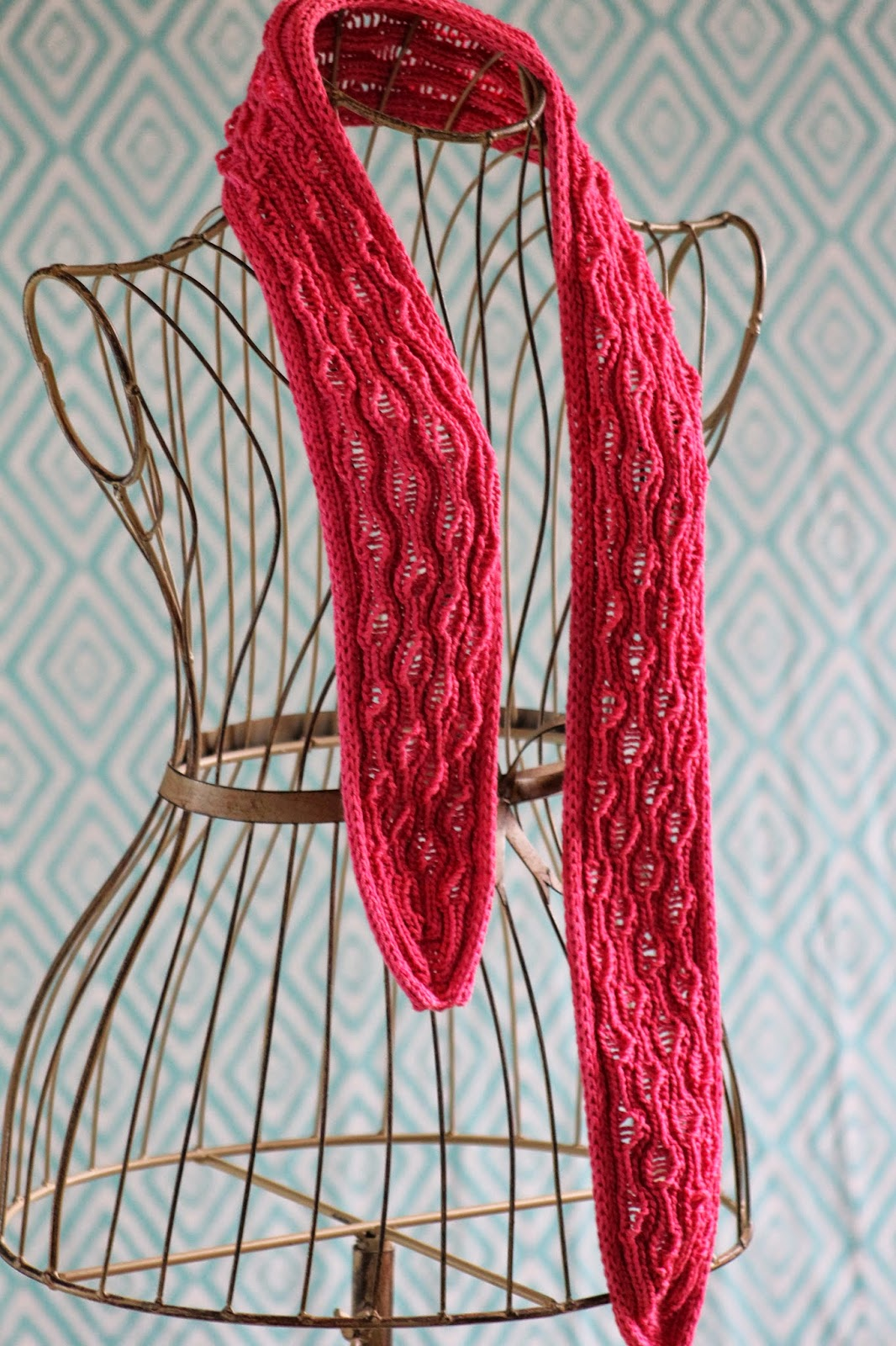 Drop Stitch Scarf Knit Pattern : Balls to the Walls Knits: Vertical Drop-Stitch Scarf