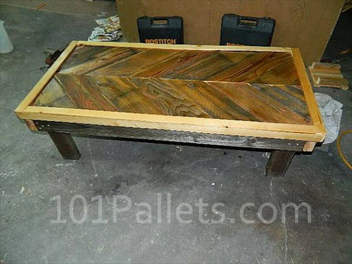 Chevron Pallet Coffee Table rustic chevron pallet coffee table | pallet furniture ideas