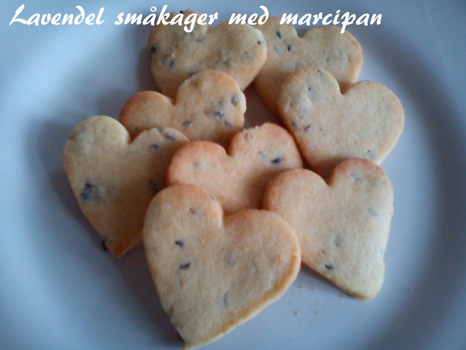 småkager med marcipan