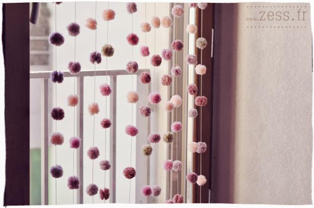 DIY rideau de pompons