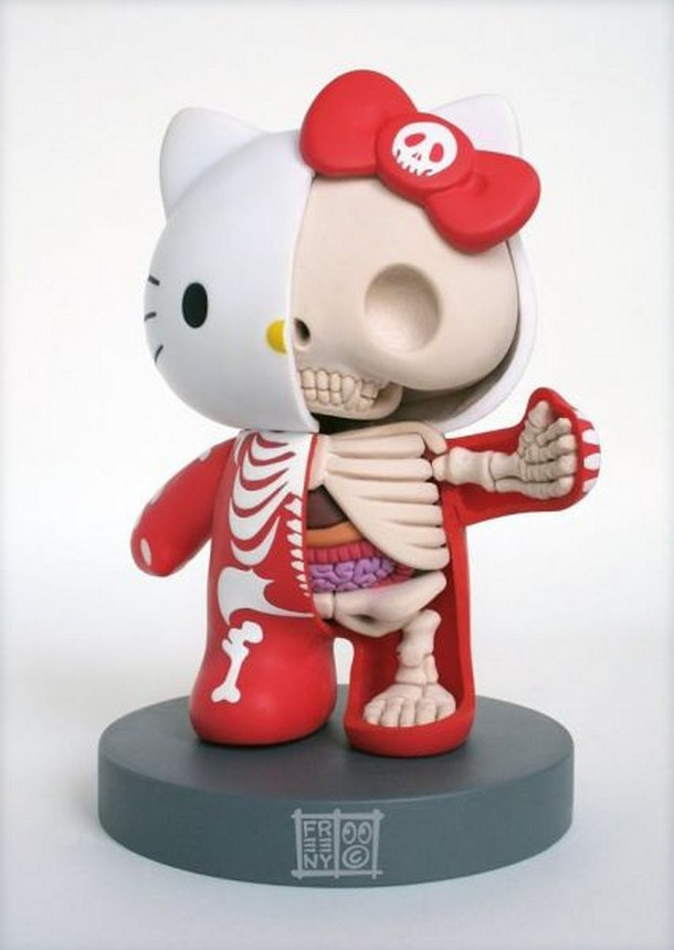 Extraños juguetes que muestran su esqueleto y anatomía interna