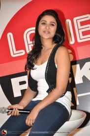 Parineeti-Chopra-Hot-Bollywood-Actress-1