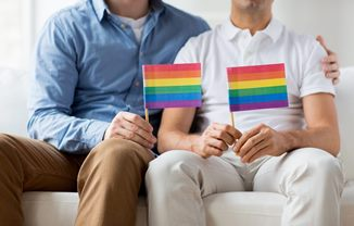 """""""Cuplurile"""" homosexuale din Grecia vor putea primi copii în plasament"""