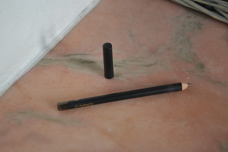 Review: MAC Cosmetics Kohl Power Eye Pencil in Orpheus
