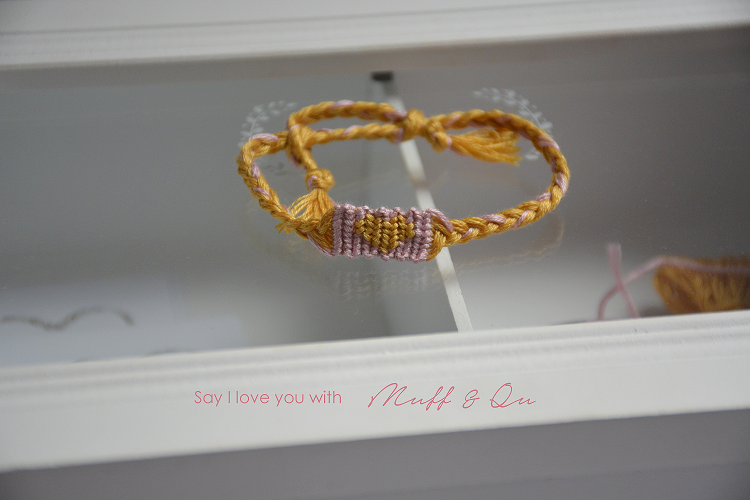 DIY little heart bracelet