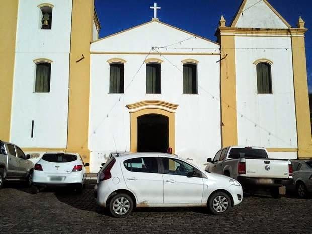 Caso ocorreu na Igreja Matriz de Jacobina, norte da Bahia (Foto: Emerson Rocha / site bahiaacontece.com)