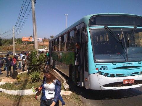 Moradores de São Sebastião reivindicam melhorias no transporte coletivo
