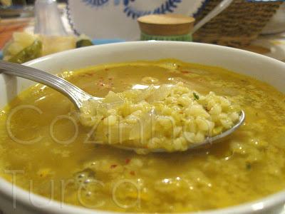 Sopa de Bulgur com Lentilhas Vermelhas (Mercimekli Bulgur Çorbası)