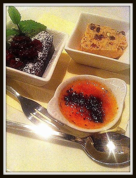 Trattoria Soprano, Deser Smakosza, creme brulee, torcik czekoladowy, nugat lodowy