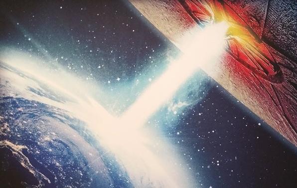 La Tierra vuelve a ser atacada en el póster de 'Independence Day 2'