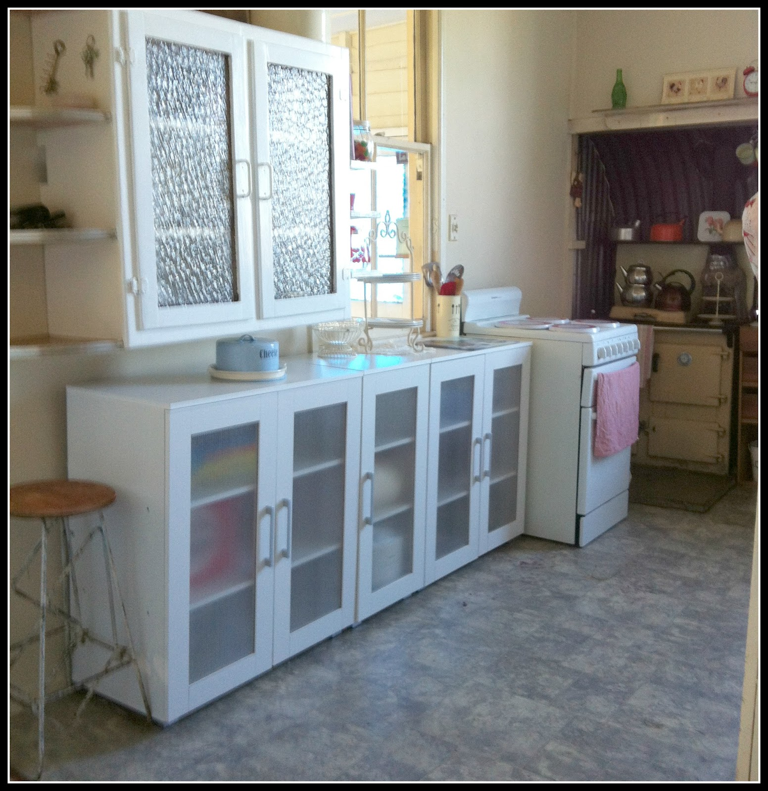 thebouselife: A little kitchen Reno in this shabby old cottage.