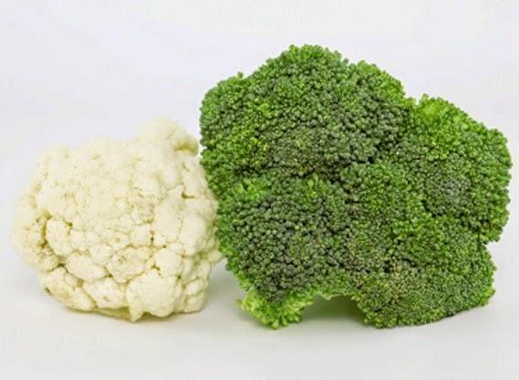 Comida con bróccoli y coliflor