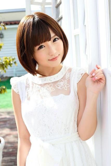 Sakura Kizuna 佐倉絆 Photos 12