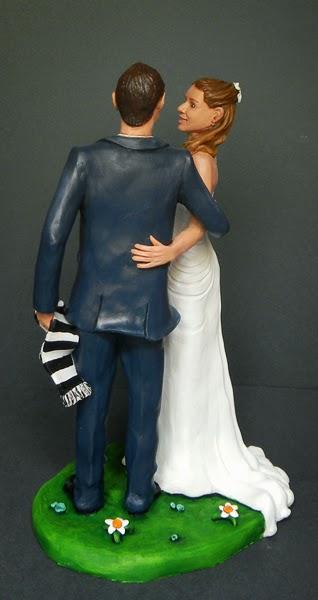 coppia sposi torta sposini intesa sguardo idee regalo di matrimonio orme magiche
