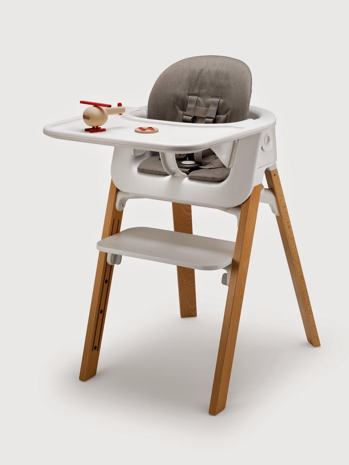 Stokke Steps mit Tisch und Baby Set