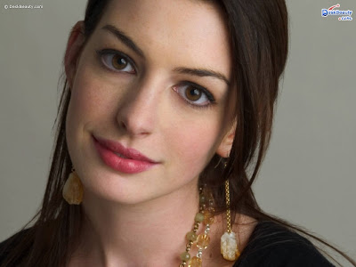 anne_hathaway_face_wallpapers_9598965626565