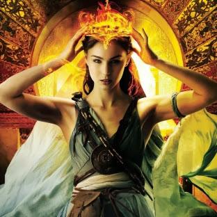 La fille de braises et de ronces, tome 2 : La couronne de flammes de Rae Carson