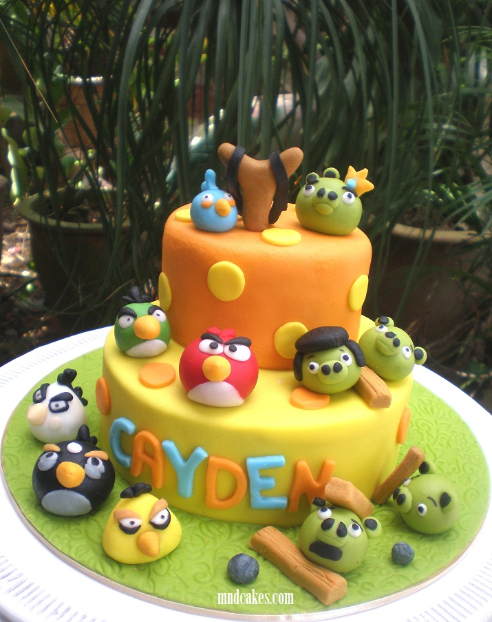Mom and daughter cakes 2 tiered angry birds cake for cayden for Angry birds cake decoration