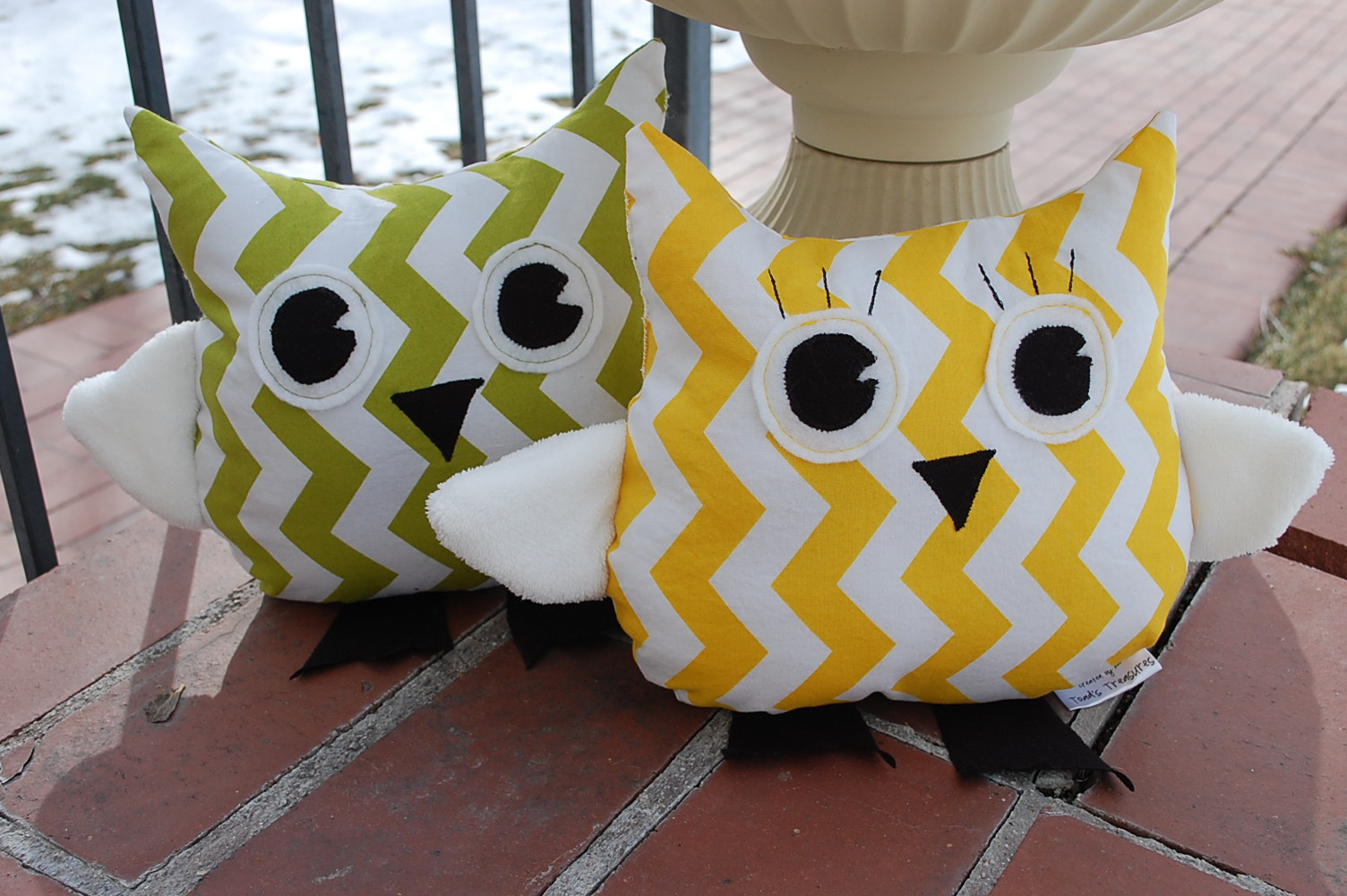 Toad s Treasures Lifestyle Family Blog by Emily Ashby: EASY Free Owl Pattern and Tutorial