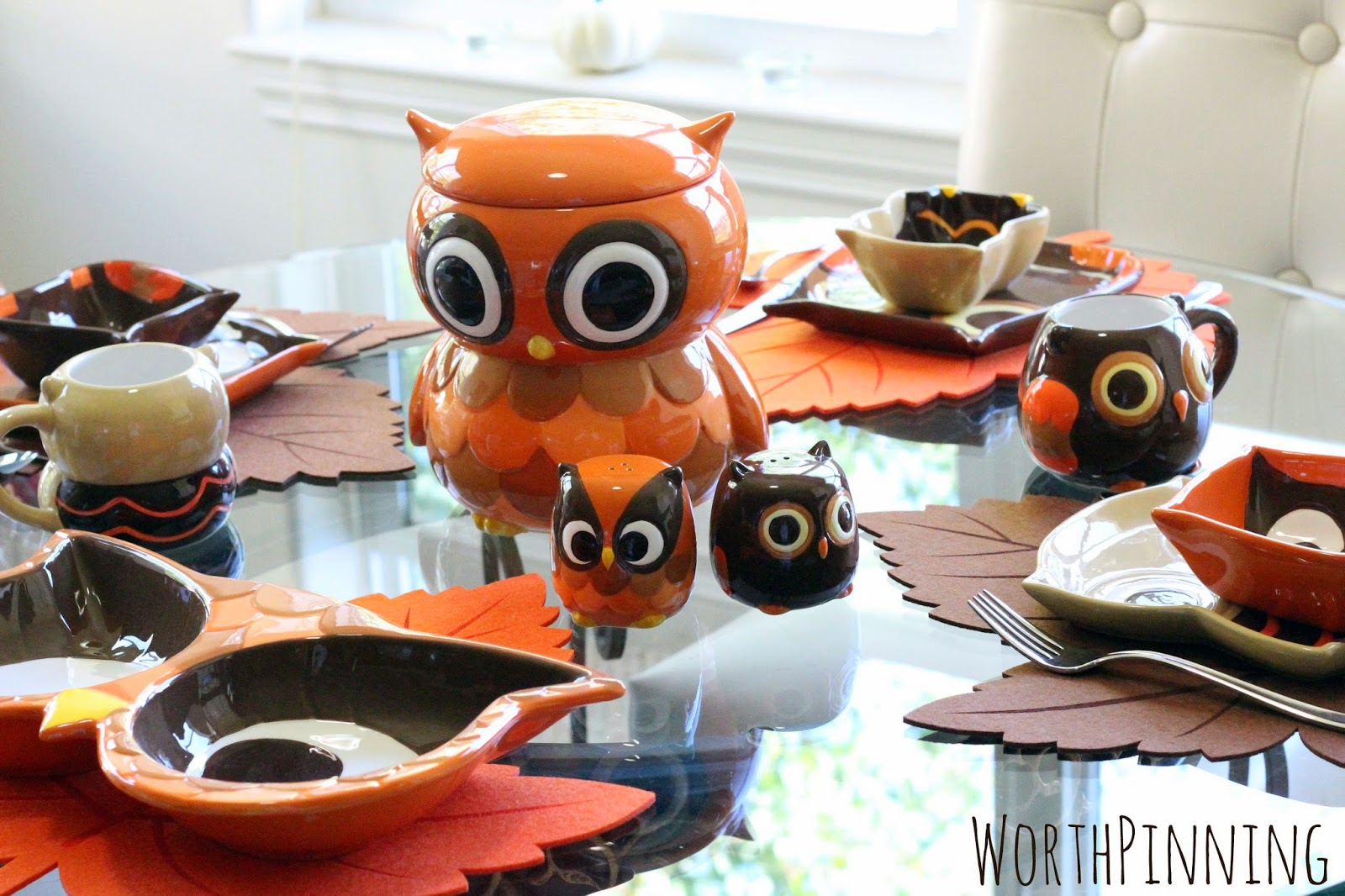 As long as we were getting the cookie jar the mugs were too cute to pass up. Then we saw the owl eyes double serving bowl. Yep we\u0027d need that too. & Worth Pinning: Fall Tablescape