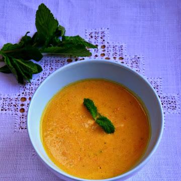 Meksykańska zupa marchewkowa - Czytaj więcej »