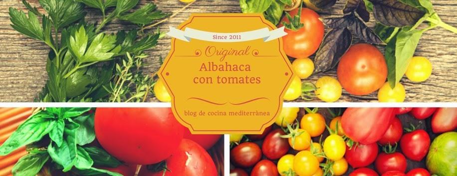 Albahaca con tomates