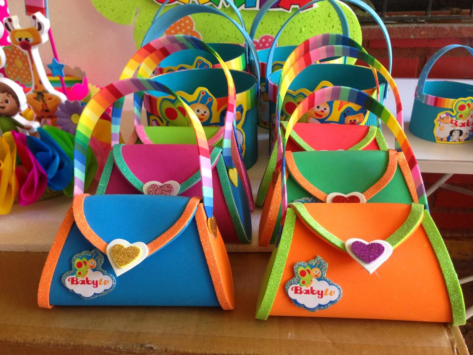 Decoraciones infantiles carteritas de goma eva tematicas for Decoracion infantil goma eva