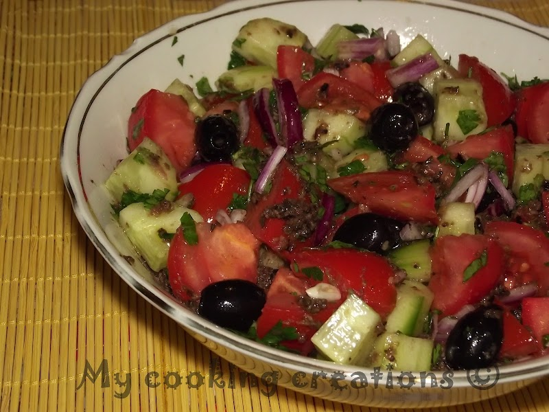 Insalata di pomodori e olive con crema di olive * Салата с домати, маслини и пастет от маслини