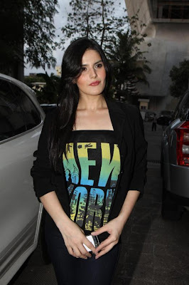 zarine khan, neha bhasintara sharma at wold no tobacco day concert latest photos