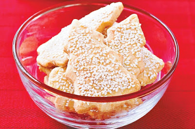 Cheesy sesame cookies Recipe