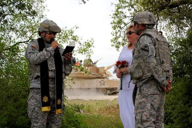 Military News - Soldier gets married in middle of tank training