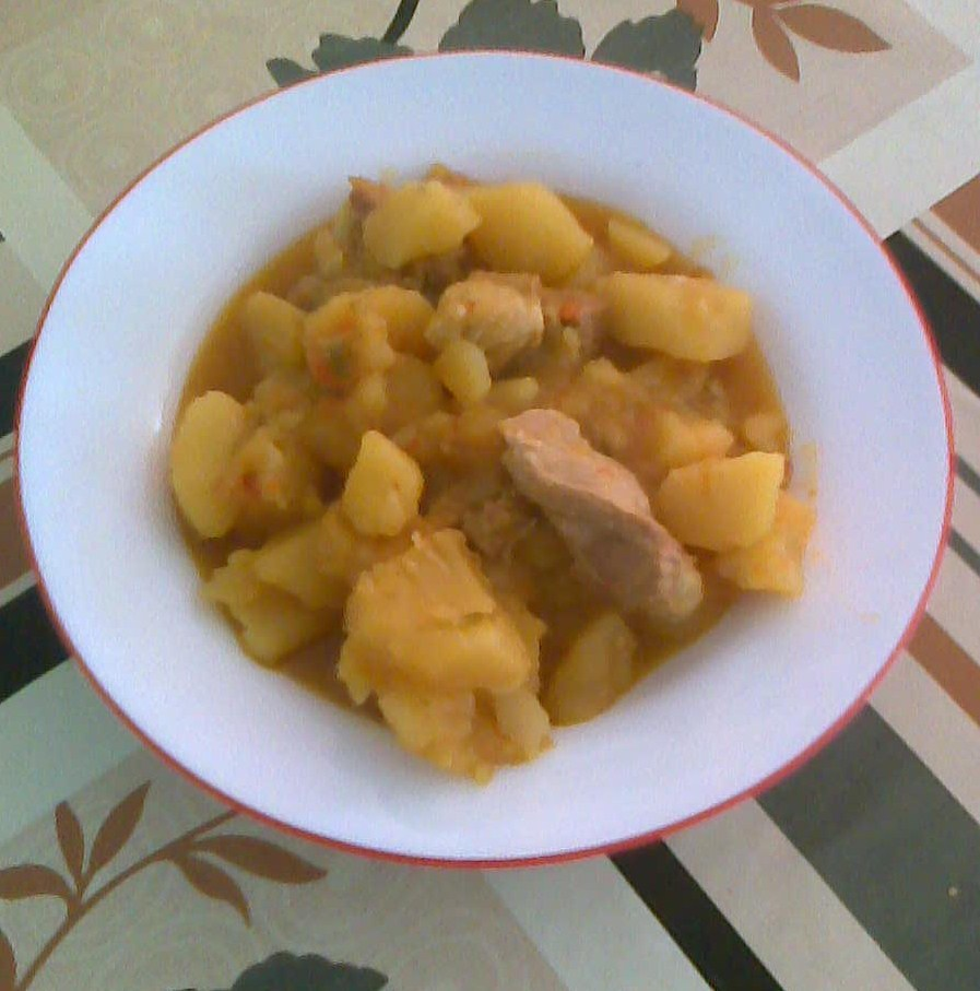 El pesebre patata con costilla de cerdo - Patatas con costillas de cerdo ...