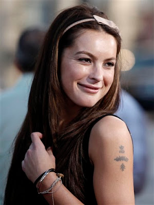 sasha barrese dating Supernatural (season 3) (sasha barrese) began dating padalecki after working with him on the 2005 film cry wolf.