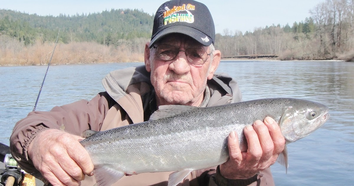 Rogue river guide 39 s fishing report rogue river fishing for Oregon fishing license price