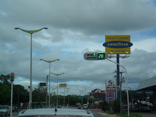 Cruzamento das avenidas Pe. Cícero e Castelo Branco em Juazeiro do Norte.