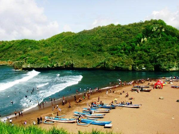 Wisata Pantai di Jogja Yogyakarta - Pantai Baron Gunung Kidul