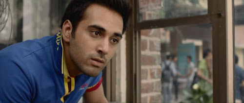 Screen Shot Of Hindi Movie Fukrey (2013) Download And Watch Online Free at worldfree4u.com
