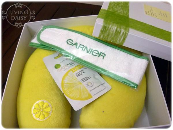 Living Daisy Review Garnier Lightening Peel Off Mask
